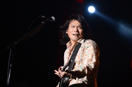 The 'King Of Live Music' Wu Bai strapped on his guitar and sang ragged and chest-thumping poems to a 5,000-strong audience at Gardens By The Bay. The wind was in his hair, and he had the swagger and complete adulation of fans.